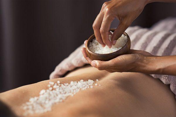 Peeling und Packungen - wohltuend für Körper und Haut